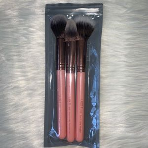 NWT Luxie makeup brush set
